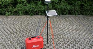 GNSS Empfänger Leica GS 14 mit Tablet - vorbereitet für Messung in Dahme